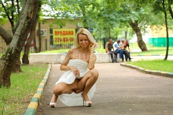 foto-skritoe-kak-zhenshini-gulyayut-bez-muzhey-shou-molodezhnoe-luchshee